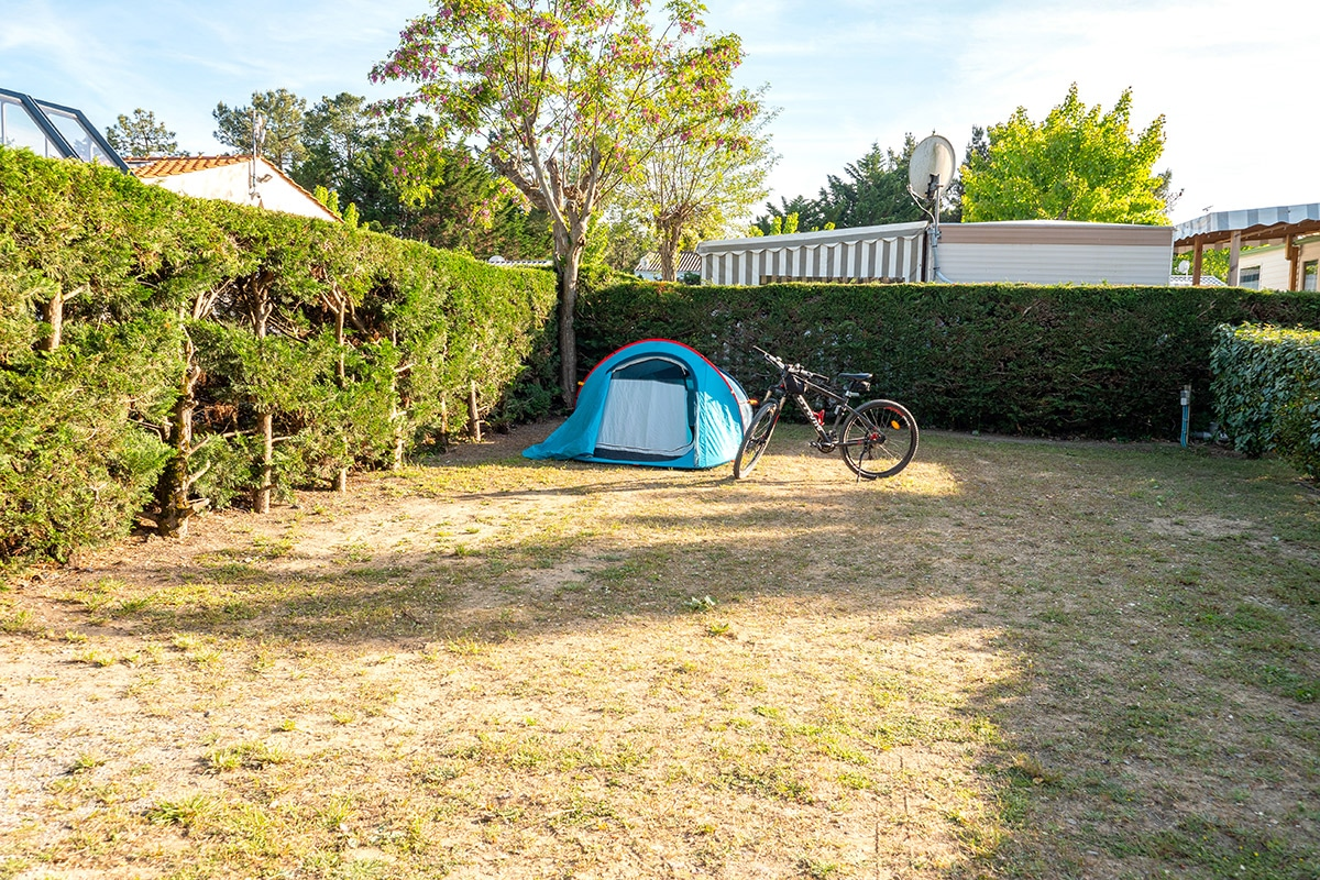 emplacement-tente-camping-3-etoiles