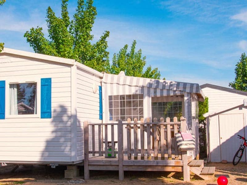 terrasse mobil-home 4 places camping